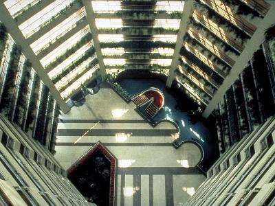 賓士環球商業大樓